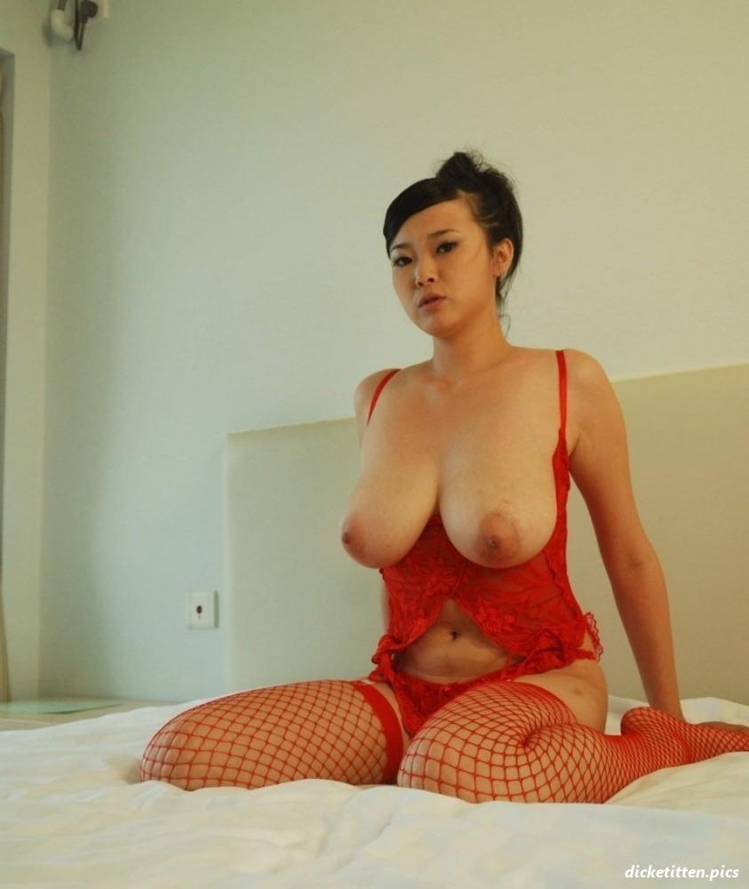 Chinesin mit dicken titten