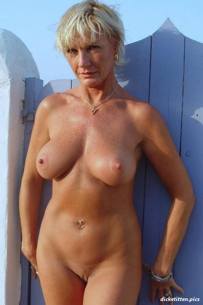 Webcam Girl mit dicken Titten