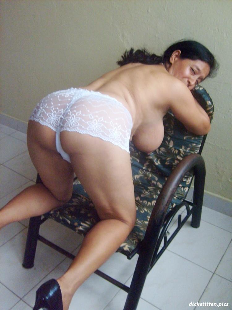 Reife Frauen Mit Grossen Brüsten