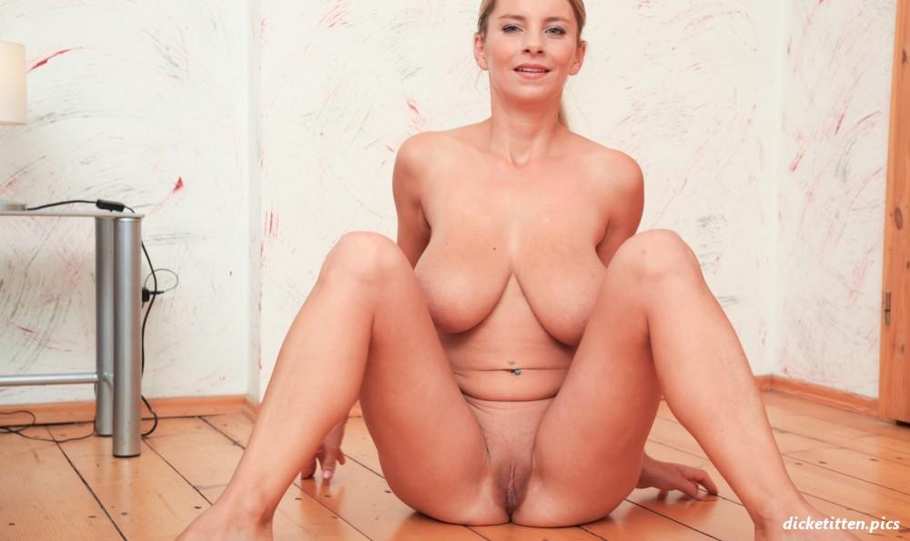 Nackt Sportlerin